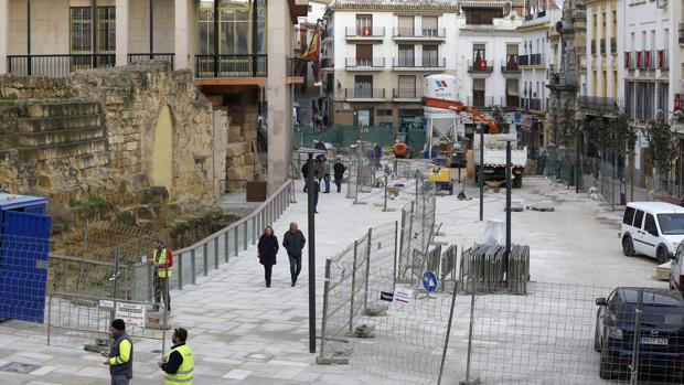 La calle Capitulares, en plena recta final de su reforma