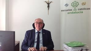 Carlos Ruiz: «Un sector de la escuela pública busca el enfrentamiento con la religiosa»