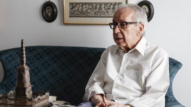 Pablo García Baena, durante una entrevista