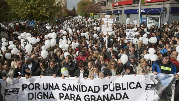 Manifestación en Granada contra la política sanitaria de la Junta