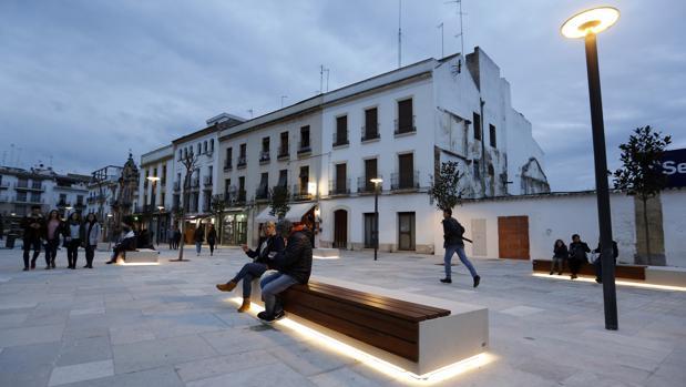 Comercio Córdoba presiona por la peatonalización integral de Capitulares con una encuesta