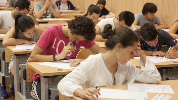 El temario de Historia de España para Selectividad se ha ampliado a cuatro meses del examen