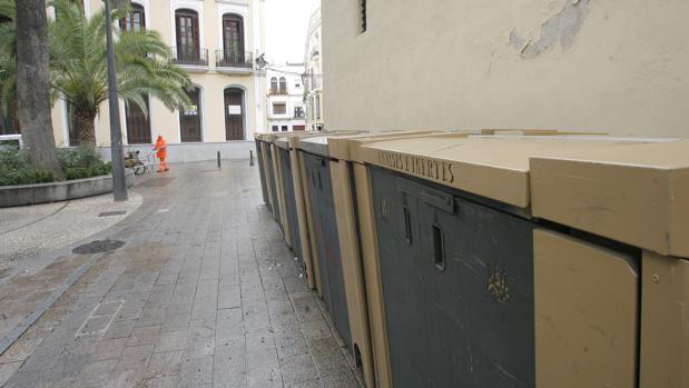 Sadeco compra cubrecontenedores para el casco hist rico de for Saneamientos granada