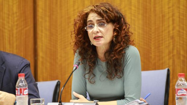 La consejera de Hacienda, María Jesús Montero, en el Parlamento andaluz
