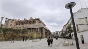 La ruta de los bandazos del Ayuntamiento de Córdoba por la peatonalización de la calle Capitulares