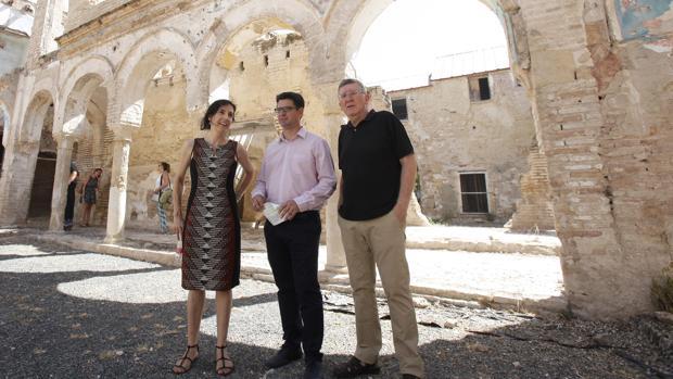 Pedro García, en una visita a las obras del convento de Regina