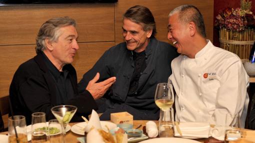 Reobert de Niro, junto al también actor Jeremy Irons y el chef Nobu Matsuhisa