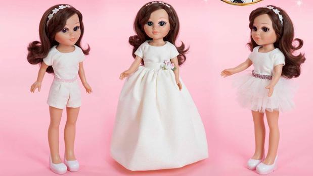Patia, con los vestidos de primera comunión