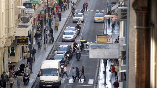La calle Cruz Conde antes de su peatonalización