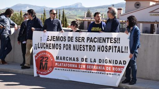 Los miembros de la plataforma sanitaria que ha mostrado su rechazo a Susana Díaz
