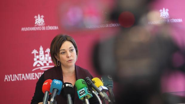 Isabel Ambrosio, durante una comparecencia en el Ayuntamiento