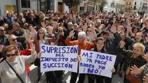 Una nueva protesta contra el impuesto de sucesiones ante el Parlamento