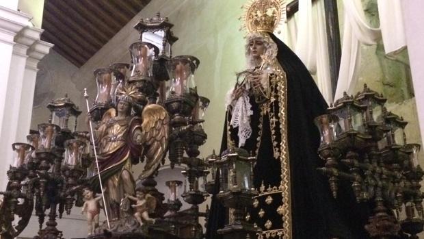La Virgen de la Soledad, con su nueva saya