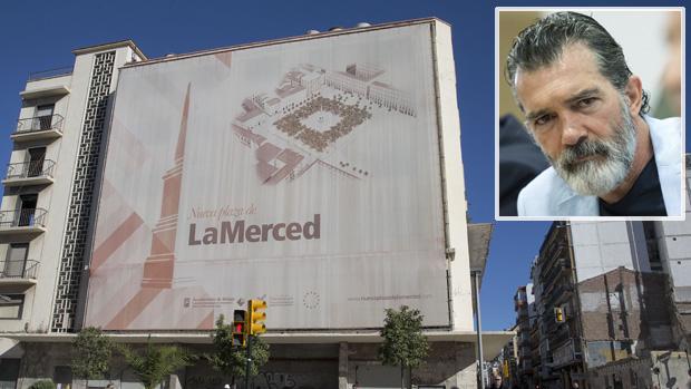 Antonio Banderas, sobre la fachada del antiguo cine Astoria de Málaga