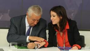 Andrea Levi, que propuso crear esta comisión, junto a Arenas