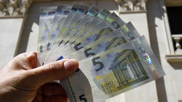 Simula un atraco tras gastarse 500 euros de su jefe