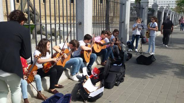 El Conservatorio de Priego se va con la reivindicación a otra parte: al Parlamento