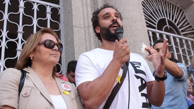 Paloma Hergueta y Spiriman en la manifestación de este domingo