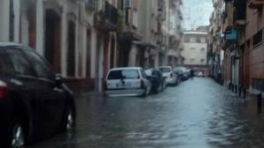 Una delas calles anegadas de Huelva