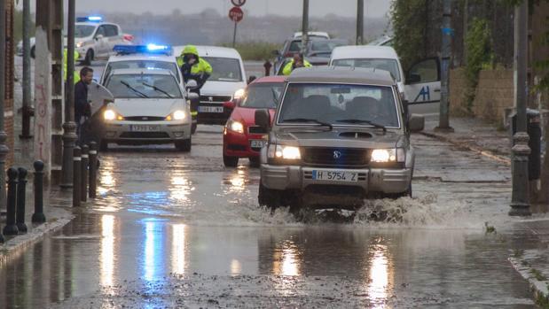 Las carreteras anegadas por las lluvias en la provincia de Huelva