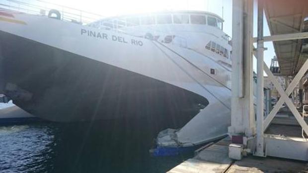 Hemeroteca: Detienen a siete polizones en el barco accidentado en el Puerto de Málaga | Autor del artículo: Finanzas.com