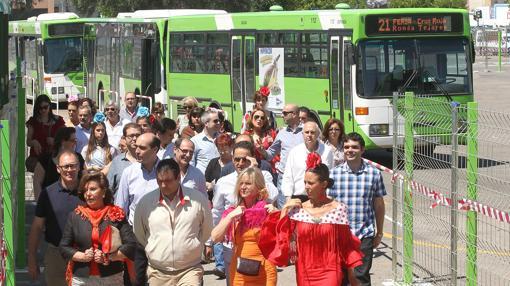 Pasajeros de Aucorsa llegando a El Arenal