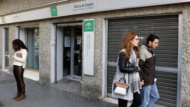 El 25 de las ofertas de trabajo del servicio andaluz de for Oficina de correos cordoba