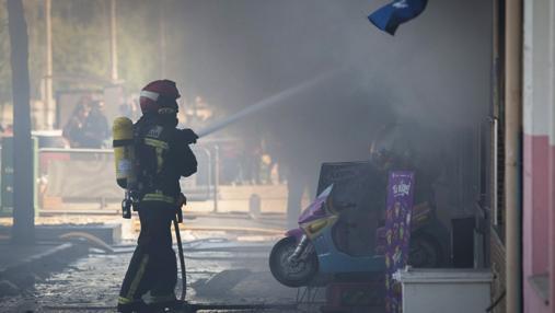 Aparatoso incendio en Huelva