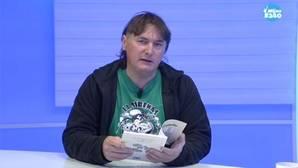 Juan Porras, autor de la traducción de El Principito al andaluz, leyendo extractos del libro