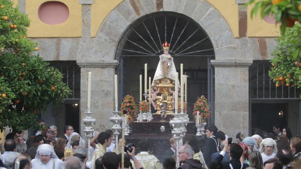 Niño Jesús de Praga en su salida