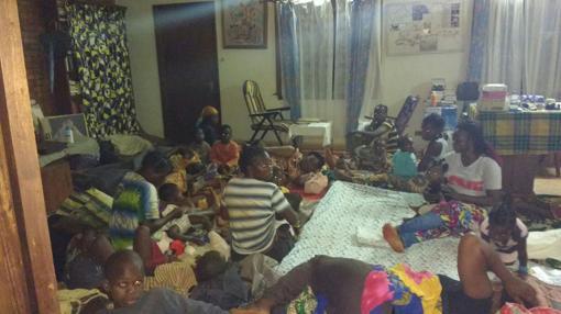 Familias refugiadas en las instalaciones del seminario de Bangassou