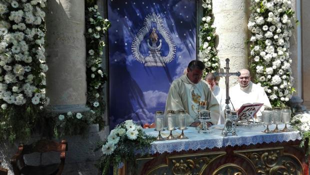 Misa ante en la ermita de la Virgen de la Salud
