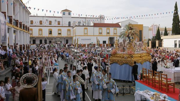 María Auxiliadora, durante su procesión