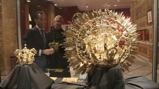 Coronas de la coronación de la Virgen del Carmen