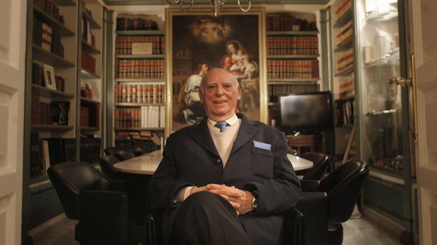 Francisco Martín Salcines, en su despacho de la calle Morería, en 2010