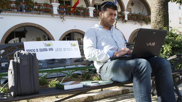 Javier Valderas, en Lepe, la localidad de la que ha sido concejal