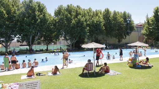 gu a con las mejores piscinas para huir del calor en c rdoba