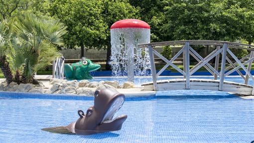 Instalaciones infantiles de la piscina Assuán