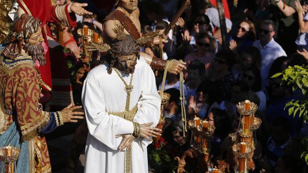 Nuestro Padre Jesús del Silencio, con túnica blanca