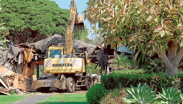 Demolición esta semana de un chiringuito ilegal en Estepona