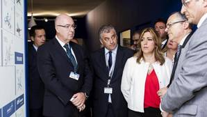 Susana Díaz durante su visita de este lunes al salón aeronaútico de París