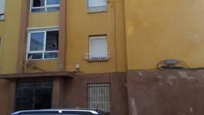 Bloque de viviendas donde vive Juan Miguel Ramos en La Línea