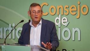 Miguel Delibes durante una intervención ante los medios