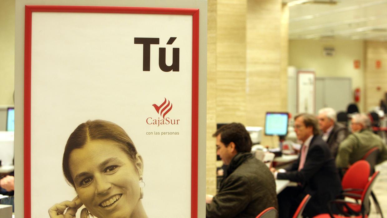 Cajasur vuelve a los beneficios hasta marzo for Oficinas caja sur