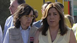 La presidenta de la Junta, Susana Díaz junto a la consejera de Justicia e Interior, Rosa Aguilar