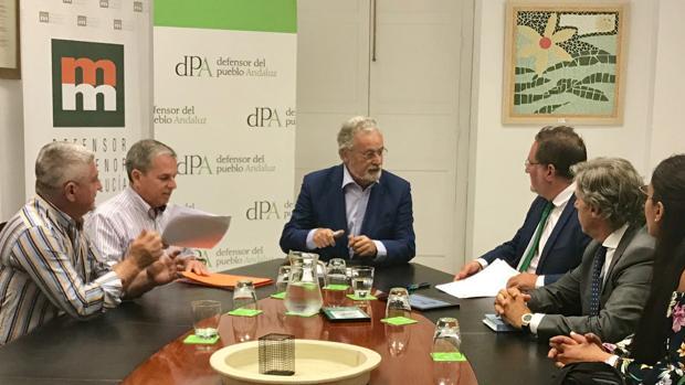 Reunión de los afectados con el Defensor del Pueblo Andaluz
