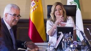 La presidenta de la Junta de Andalucía, Susana Díaz junto al vicepresidente, Manuel Jimenez