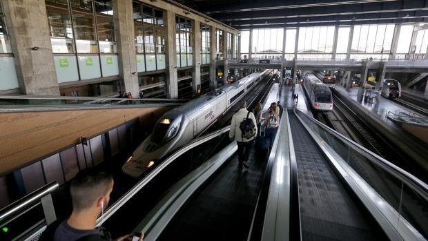 Trenes AVE en la estación de Córdoba