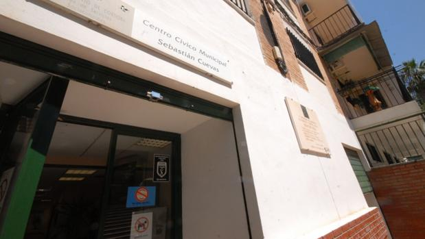 Fachada del centro cívico Sebastián Cuevas