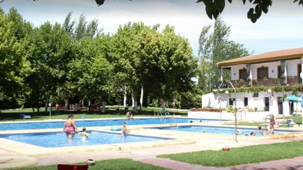 El var n rescatado de una piscina con signos de for Hotel con piscina en cordoba